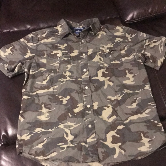 Old Navy Other - Men's camo shirt